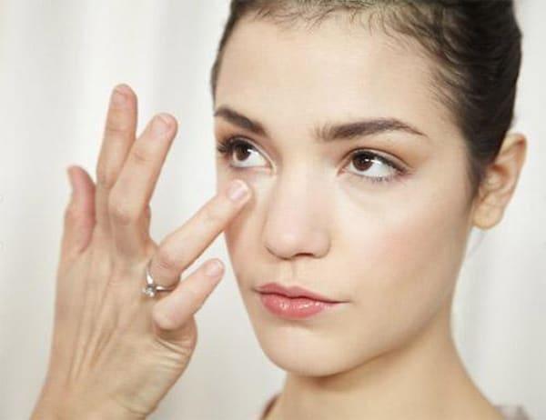 10 cách trị thâm quầng mắt hiệu quả