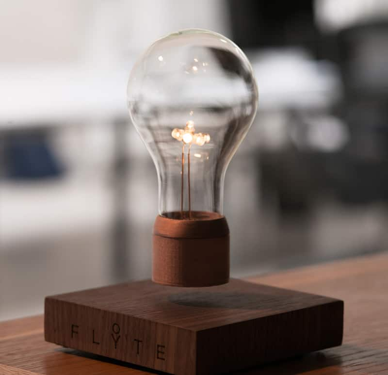 Đèn không trọng lực của Simon Morris