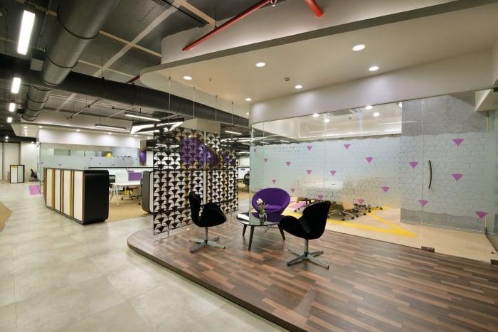 Thiết kế nội thất văn phòng với sắc tím độc đáo và cuốn hút
