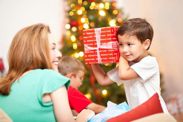 10 hành động yêu thương bạn không nên làm với trẻ con