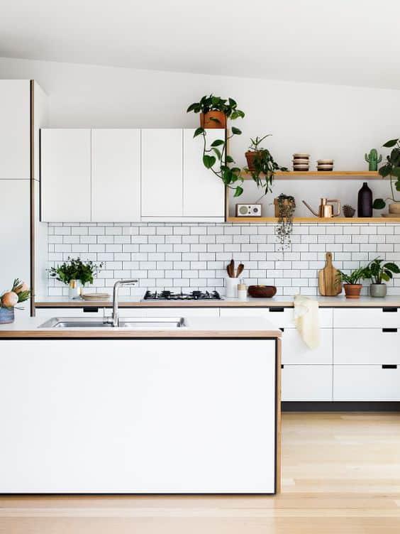 Nhà bếp tiện nghi trong thiết kế nhà phố 2 tầng 1 tum