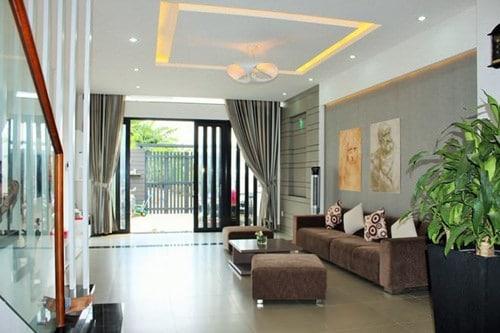 Phòng khách trong thiết kế nhà phố 3 tầng đẹp